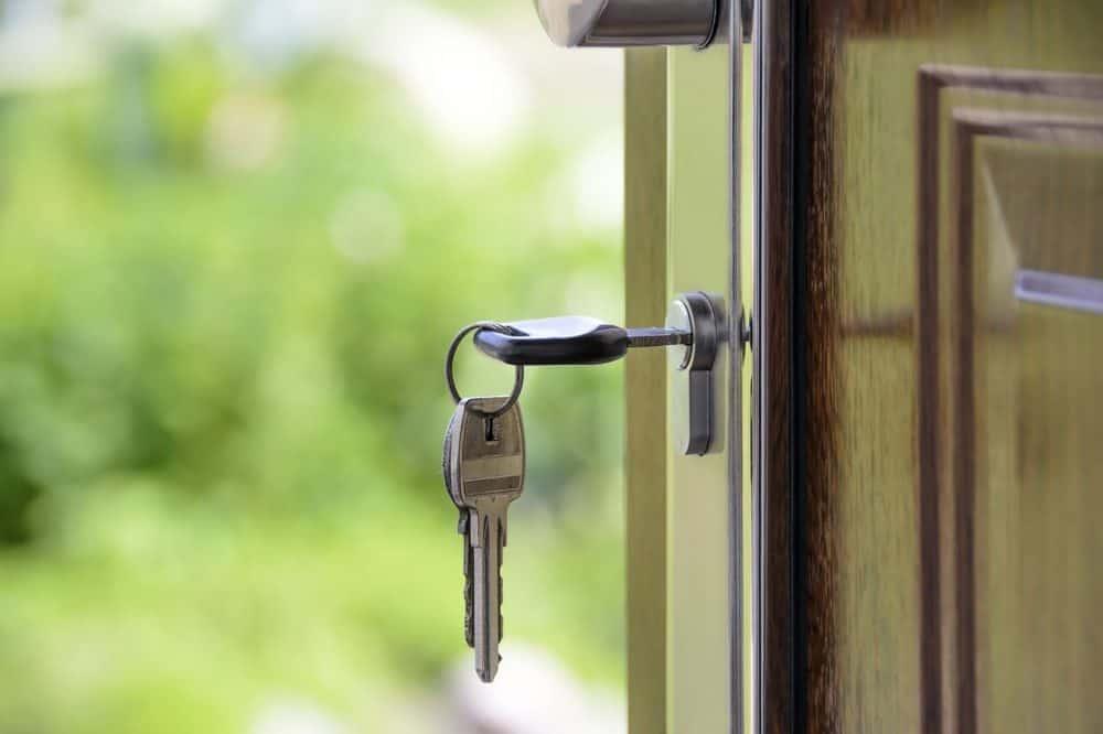 Cerraduras y puertas llaves